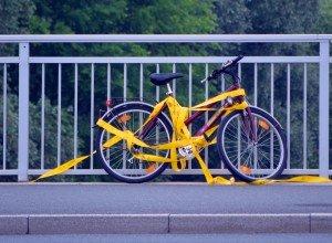 So wie hier auf der Werdener Brücke kann man ein Rad auch sichern